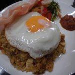 アマラバリ、大阪市都島区にあるオーナーがバリ出身のインドネシア料理店